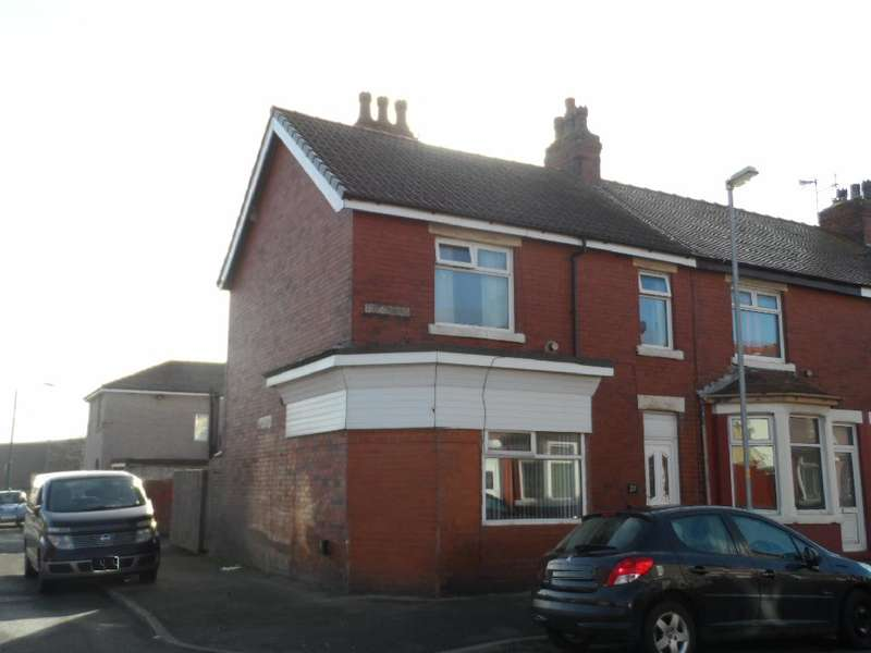 3 Bedrooms End Of Terrace House for sale in Addison Road, Fleetwood, FY7 6UB