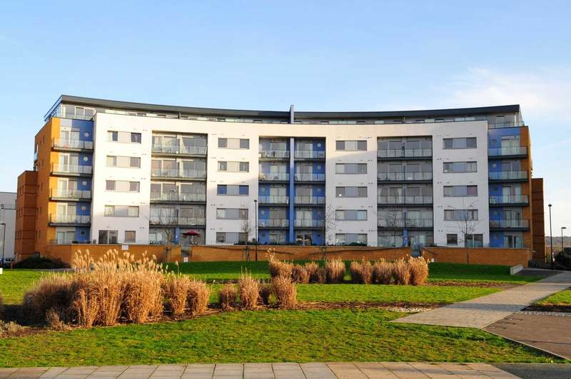 2 Bedrooms Apartment Flat for sale in Tideslea Path, Thamesmead West, SE28 0NH