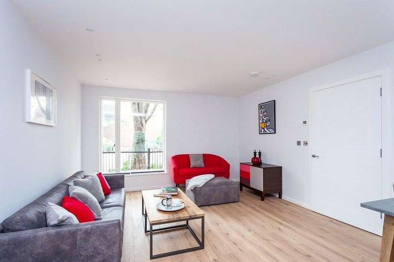 2 Bedrooms Flat for sale in Trinity House, Crayford Road, Tufnell Park, London, N7