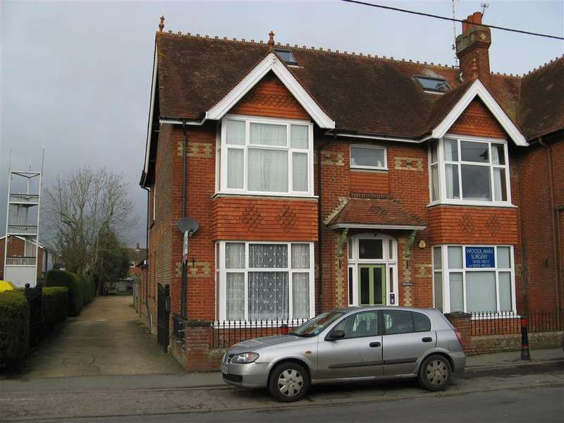 1 Bedroom Flat for sale in High Street, , Partridge Green, West Sussex