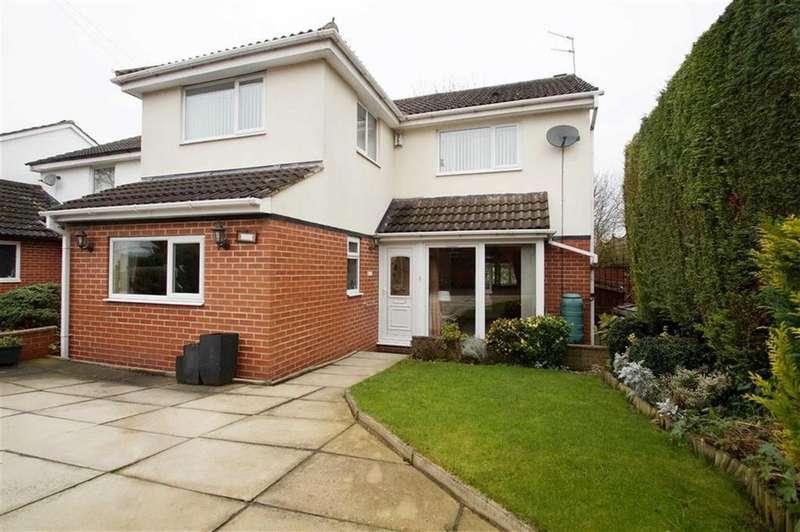 4 Bedrooms Detached House for sale in Morritt Avenue, Leeds