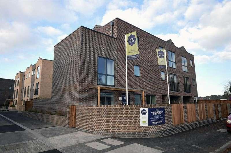 3 Bedrooms Town House for sale in Navigation Street, Trent Basin, Nottingham