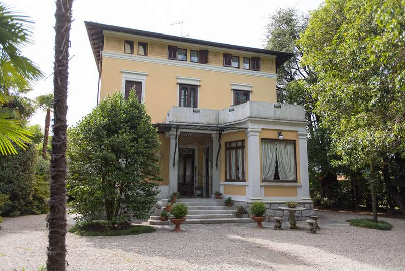 6 Bedrooms Property for sale in Lago Maggiore, Lesa TW18