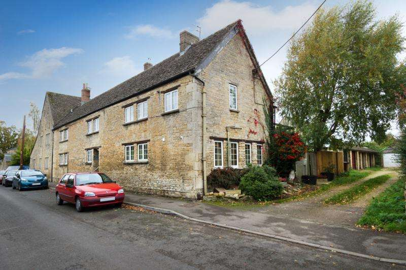 2 Bedrooms Apartment Flat for sale in Manor Farm, Church Street, Kidlington, Oxfordshire