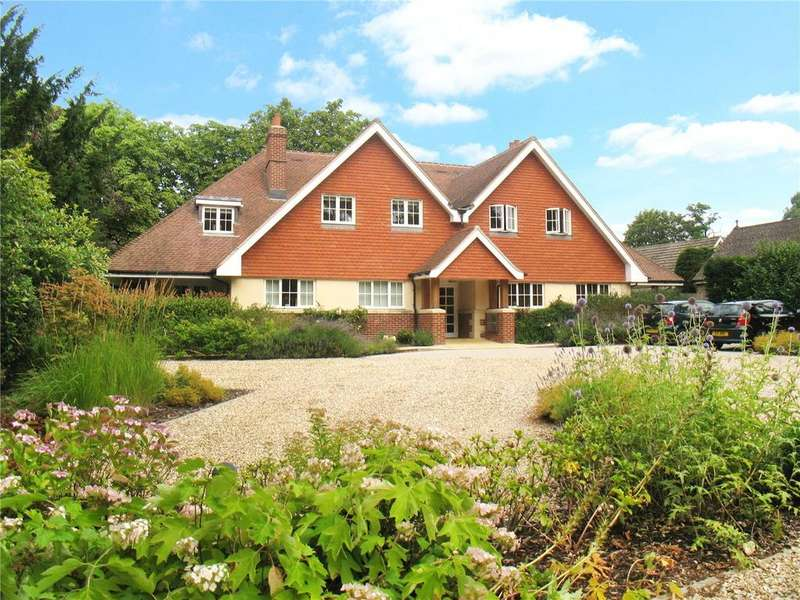2 Bedrooms Flat for sale in Great Austins Manor, 11 Vicarage Hill, Farnham, GU9
