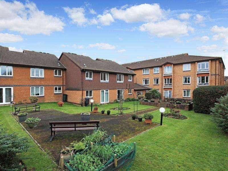 1 Bedroom Retirement Property for sale in Chesterton Court, Horsham