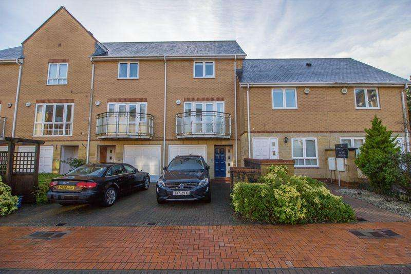 3 Bedrooms Terraced House for sale in Anchor Road, Penarth
