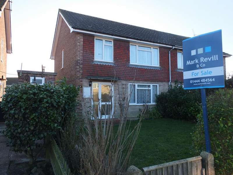 3 Bedrooms House for sale in Challoners, Horsted Keynes, RH17