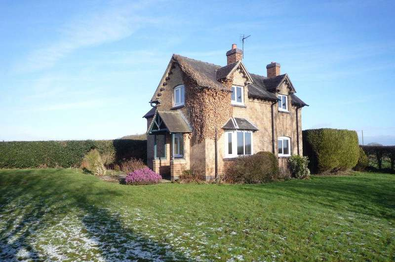3 Bedrooms Detached House for rent in Yew Tree Cottage, Yew Tree Cottage