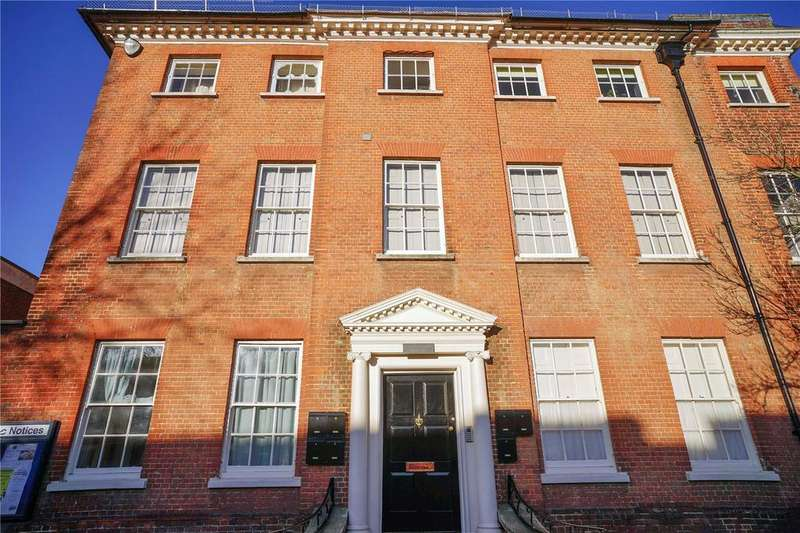 1 Bedroom Flat for sale in Westbrooke House, 76 High Street, Alton, Hampshire