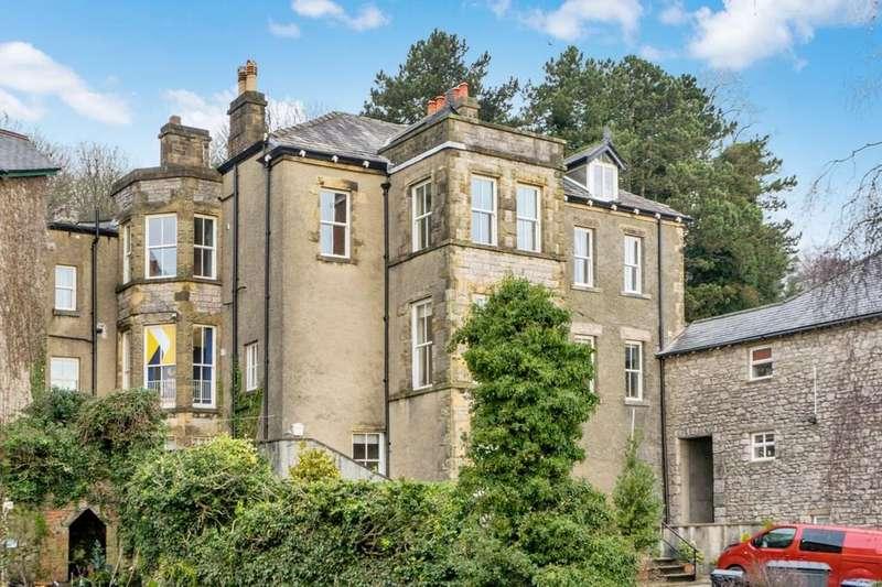 3 Bedrooms Apartment Flat for sale in 5 The Regent, Main Street, Grange-over-Sands, Cumbria, LA11 6DY