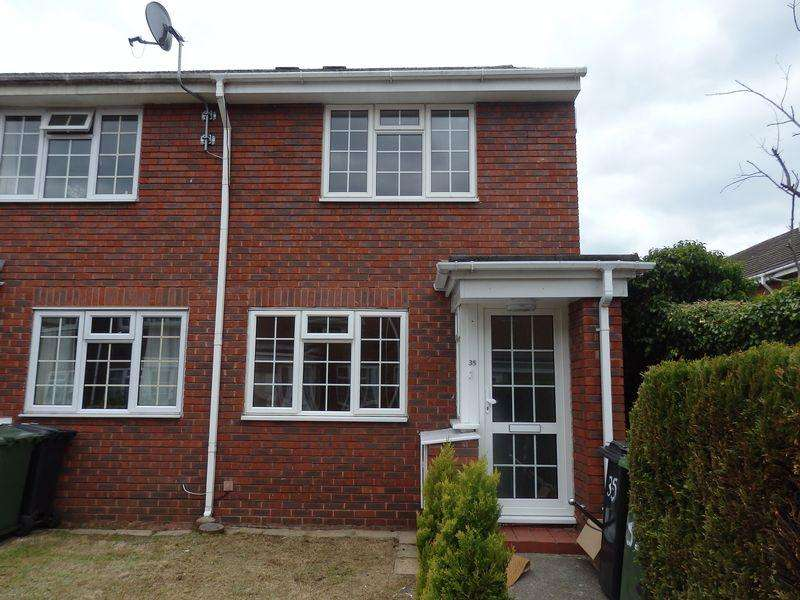 2 Bedrooms Terraced House for rent in Delaporte Close, Epsom