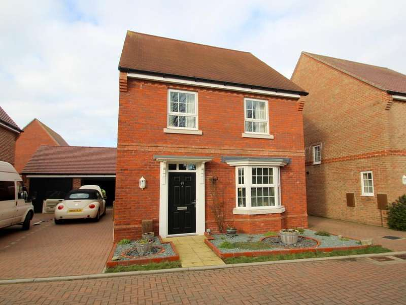 4 Bedrooms Detached House for sale in Blackthorn Avenue, Felpham