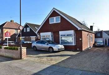 5 Bedrooms Bungalow for sale in Second Avenue, Farlington, Portsmouth, PO6 1JS