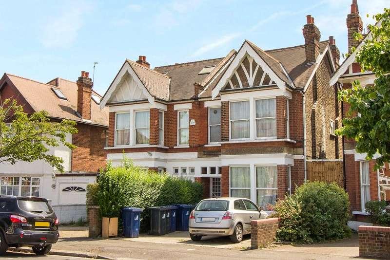 Studio Flat for sale in Lynton Road, Acton