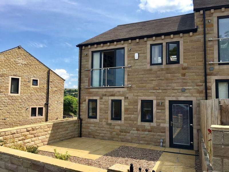 3 Bedrooms Town House for rent in The Bridges, Thongsbridge, Holmfirth