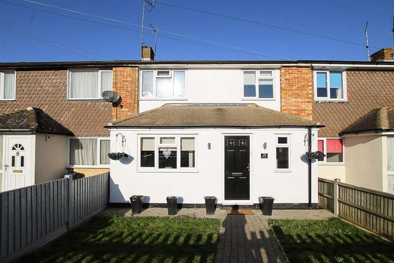 3 Bedrooms House for sale in Crow Green Lane, Pilgrims Hatch, Brentwood