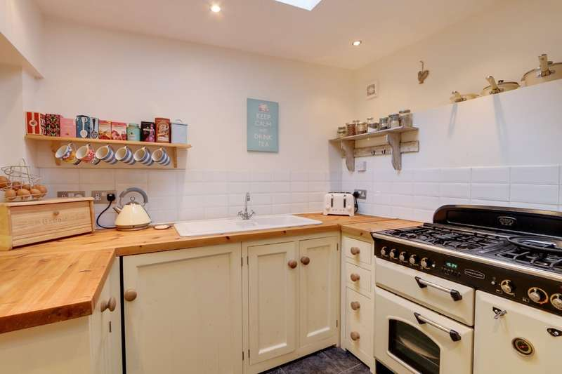 2 Bedrooms Cottage House for sale in Orchard Terrace, Kingskerswell