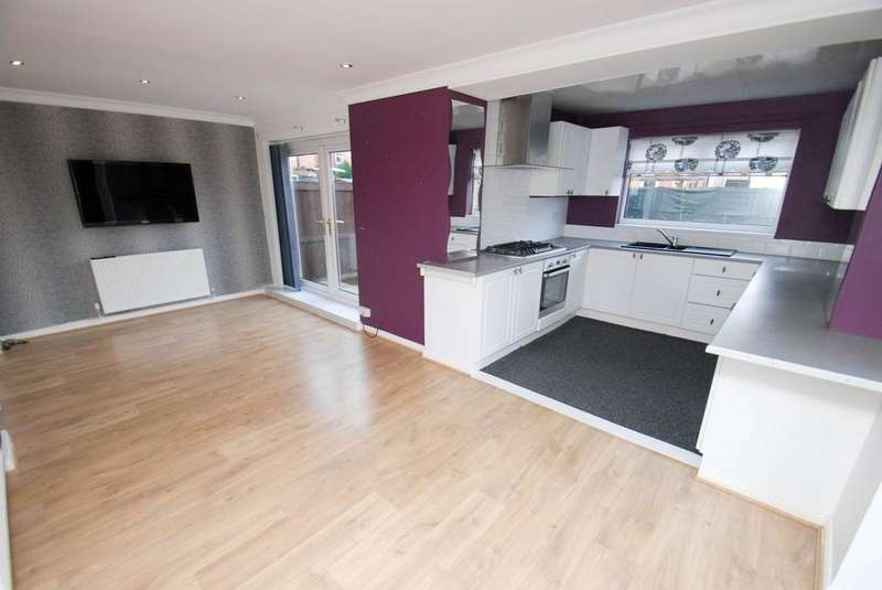3 Bedrooms Semi Detached House for sale in Hurworth Avenue, South Shields