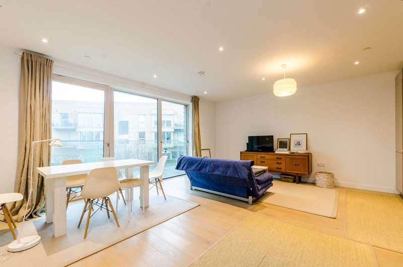 1 Bedroom Flat for sale in New Paragon Walk, Elephant and Castle, SE17
