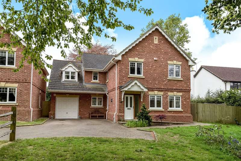 4 Bedrooms Detached House for sale in Blake Close, Crowthorne, RG45