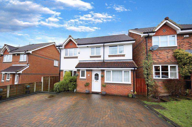 4 Bedrooms Detached House for sale in Oakshaw Drive, Norden, Rochdale