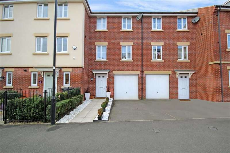 3 Bedrooms Town House for sale in Fontmell Close, Redhouse, Wiltshire