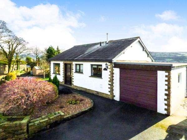 2 Bedrooms Detached Bungalow for sale in The Bungalow, Ryecroft Road, Glusburn BD20 8RT