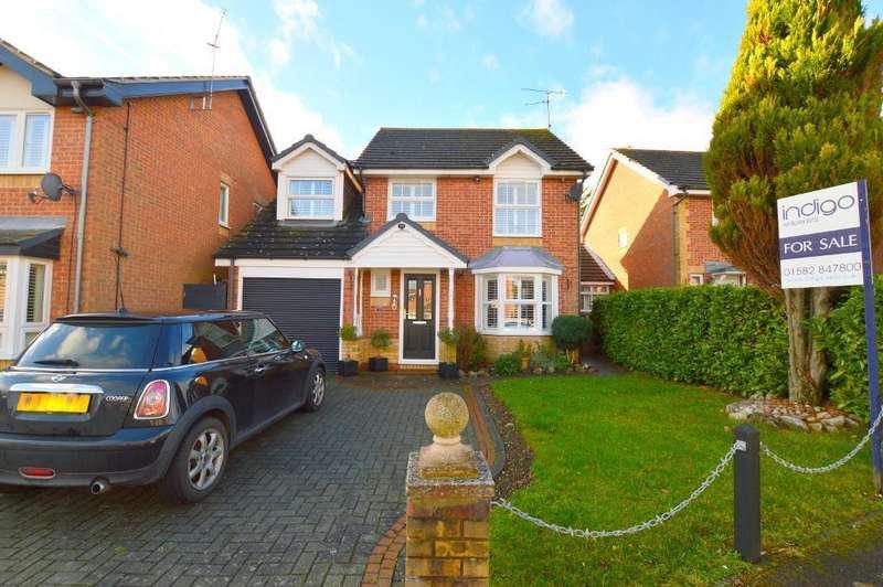 4 Bedrooms Detached House for sale in Elvington Gardens, Luton, Bedfordshire, LU3 4ET