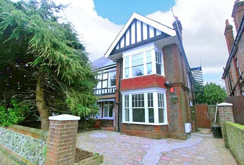 2 Bedrooms Maisonette Flat for sale in Shakespeare Road, Worthing, West Sussex, BN11
