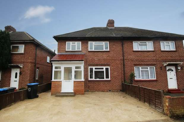 3 Bedrooms Semi Detached House for sale in Mullens Road, Egham, Surrey, TW20 8AQ