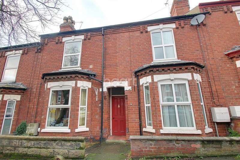 3 Bedrooms Terraced House for sale in Whitehall Grove, Lincoln