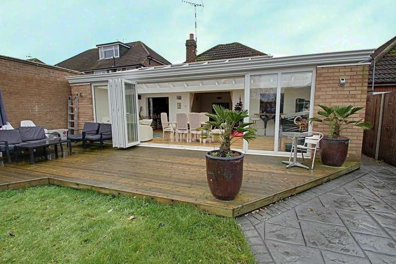 3 Bedrooms Bungalow for sale in June Avenue. Thurmaston, Leicester