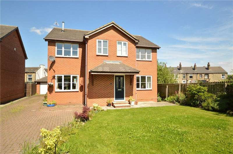 4 Bedrooms Detached House for sale in Dale View, Drighlington, Bradford