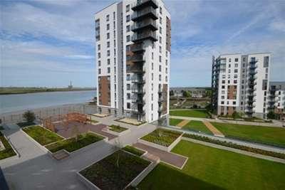 2 Bedrooms Flat for rent in Peninsula Quay, Pegasus Way, Gillingham