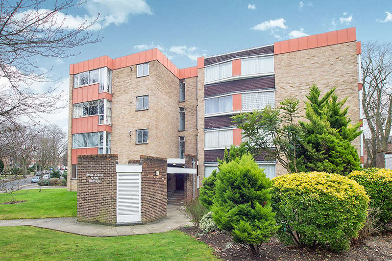 2 Bedrooms Flat for sale in White Lodge Close, Sutton, SM2