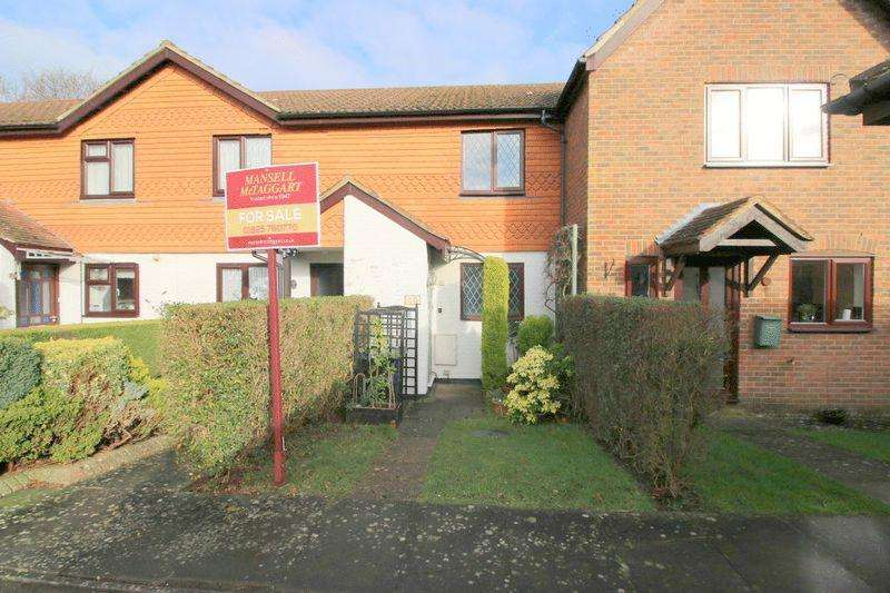 2 Bedrooms Terraced House for sale in Castle Rise, Ridgewood, East Sussex