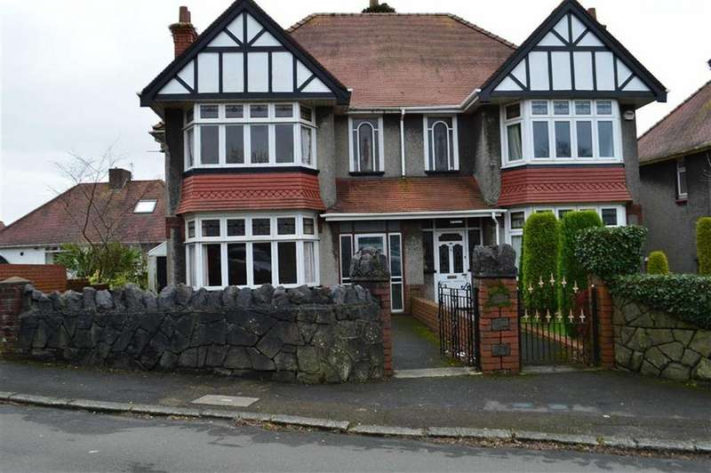 3 Bedrooms Semi Detached House for sale in Broadway, Swansea, SA2