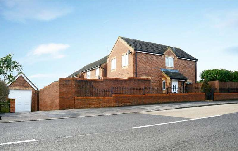 3 Bedrooms Detached House for sale in Kingsway, Ware