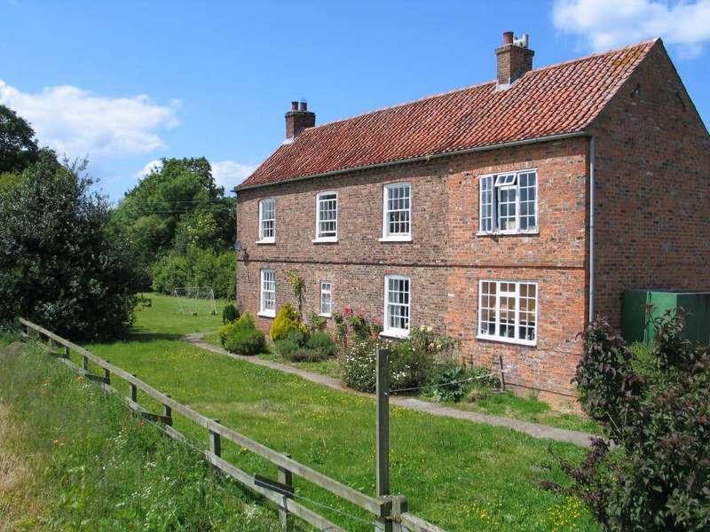 4 Bedrooms Detached House for rent in Skelton, York