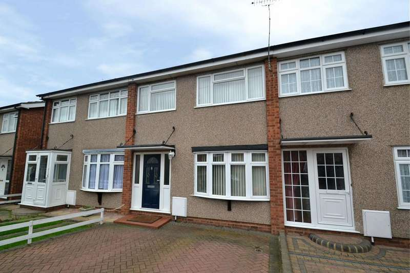 3 Bedrooms Terraced House for sale in Bamford Way, Collier Row