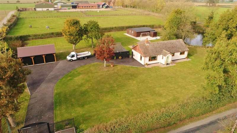 3 Bedrooms Detached Bungalow for sale in Southminster Road, St. Lawrence