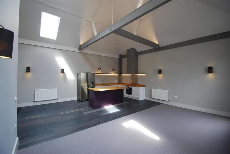2 Bedrooms Flat for rent in St. Botolphs Lane, Bury St. Edmunds