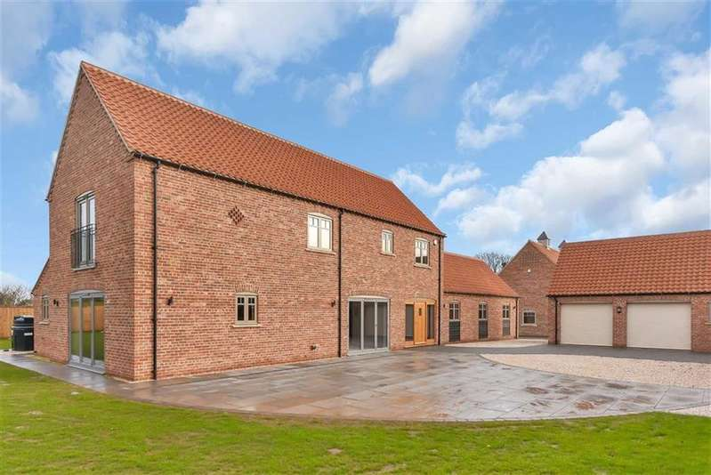 5 Bedrooms Detached House for sale in High Street, East Markham, Newark, Nottinghamshire