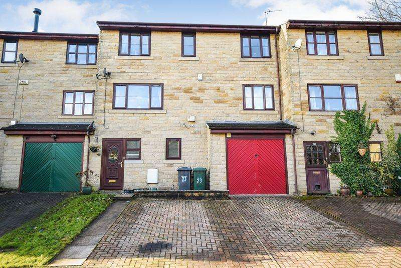 3 Bedrooms Town House for sale in Burnsdale, Sandy Lane, Bradford