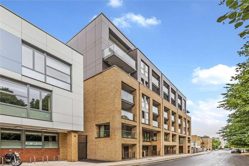 2 Bedrooms Flat for sale in Lough Road, Holloway, London
