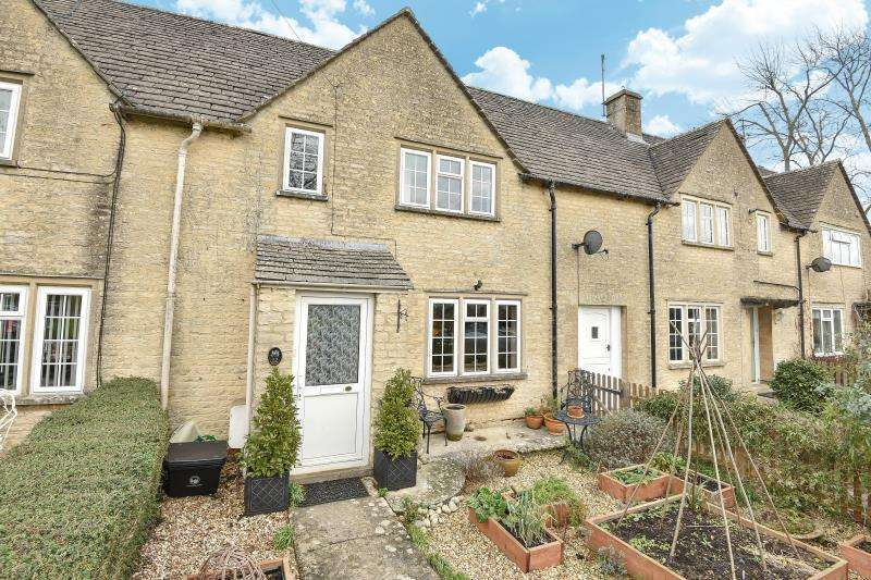 3 Bedrooms Terraced House for sale in The Gassons, Filkins, Glos