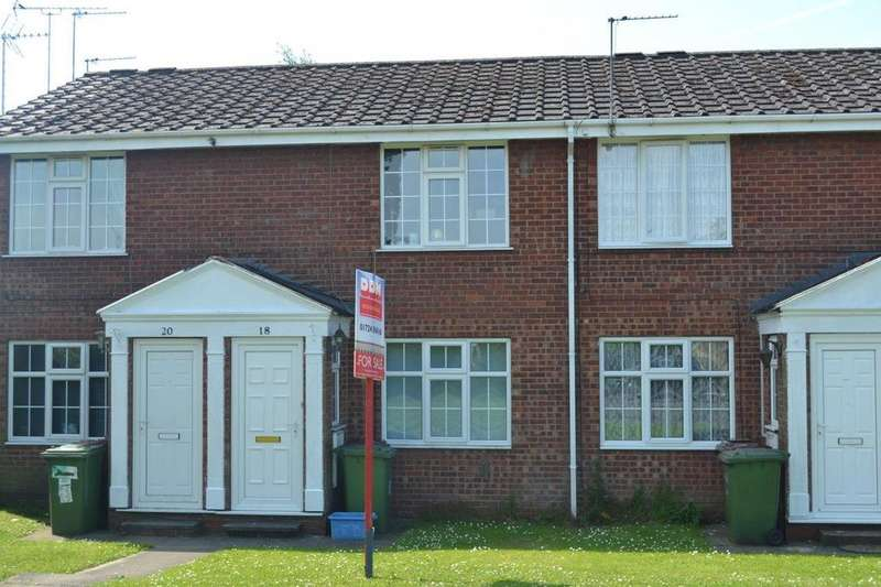 2 Bedrooms Flat for sale in Wilkie Close, Scunthorpe, Lincolnshire, DN15