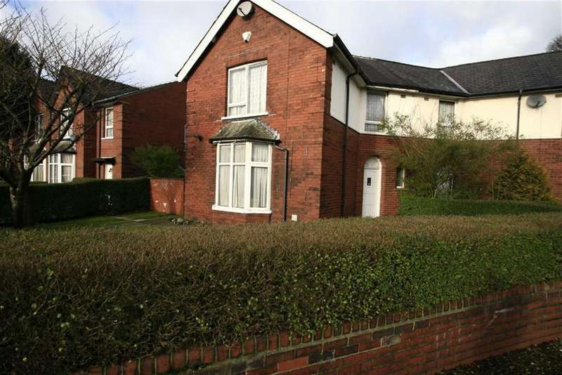 2 Bedrooms Semi Detached House for sale in 124, Queensway, Queensway, Rochdale, OL11