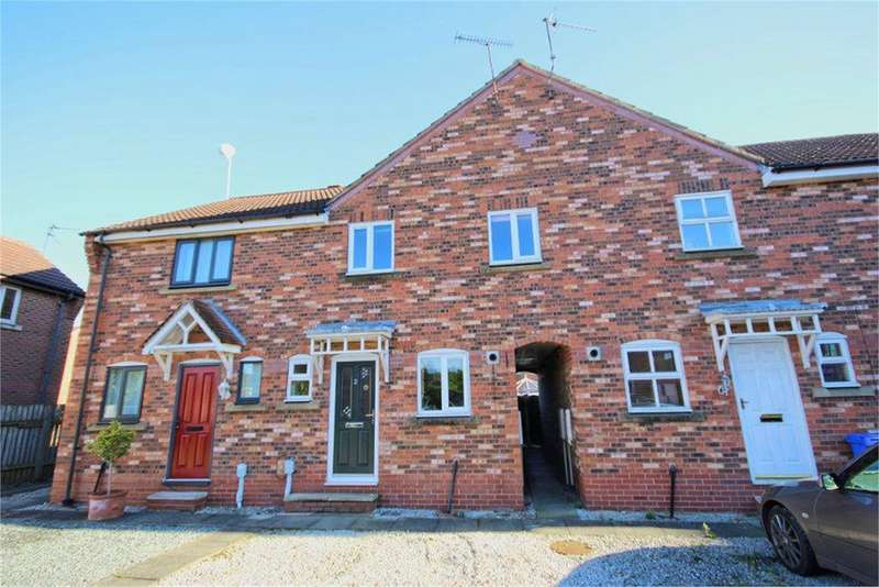 3 Bedrooms Terraced House for sale in Gillyon Close, Beverley, HU17